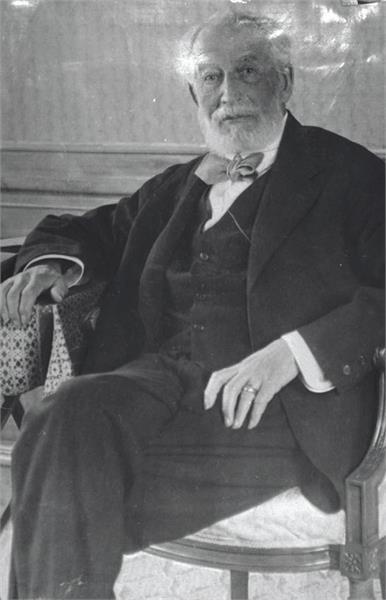 البارون إدموند جيمس دي روتشيلد عام 1930