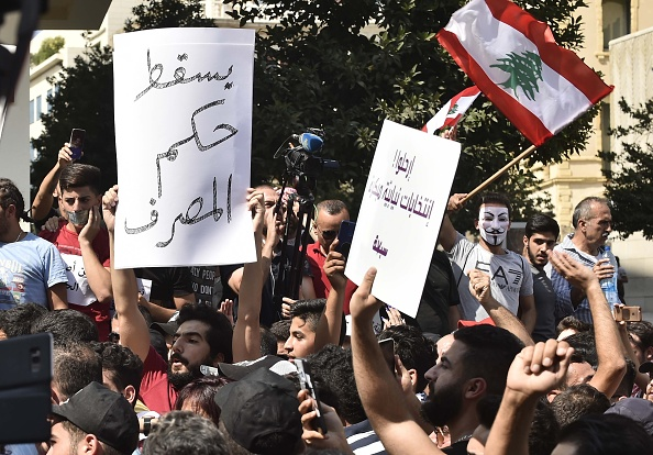 التظاهرات تصل لبنان
