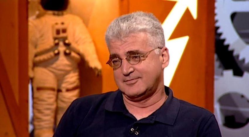 انتقد الجيش الإسرائيلي ففصل من عمله