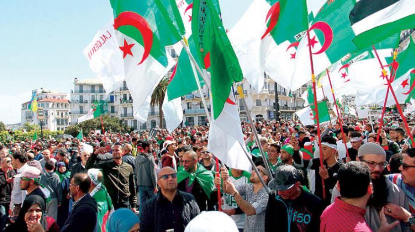 كيف يستغل النظام الجزائري أزمة كورونا لدعم أحزابه السياسية؟
