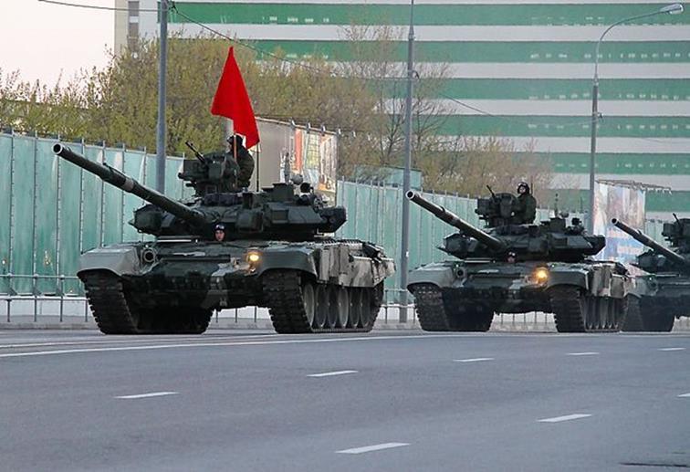 رغم الأزمة الاقتصادية.. تصاعد في النفوذ العسكري الروسي 012917_1145_1