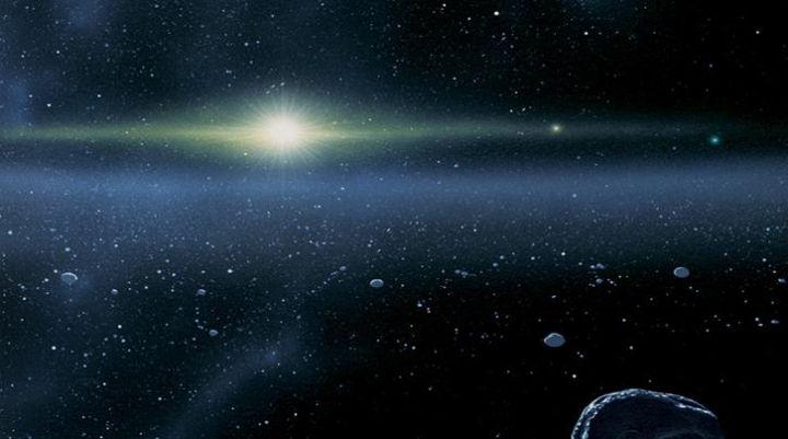 3) , اكتشاف, أبعد, جسم, متجمد, عن , الشمس