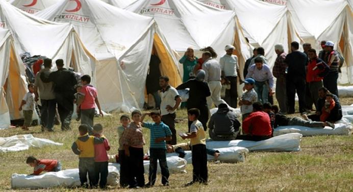 لاجئون فلسطينيون في إحدى المخيمات اللجوء
