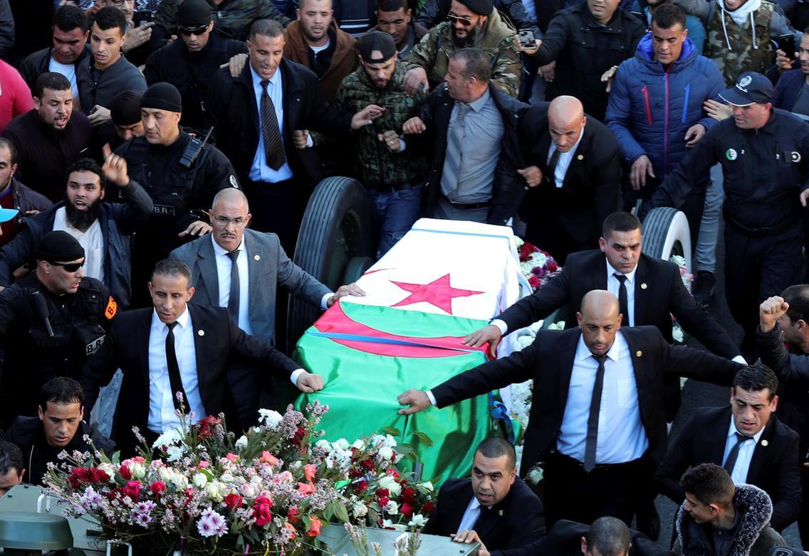 جنازة القايد صالح