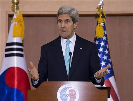 كيري يطلب من كوريا الشمالية عدم الربط بين المناورات ولم شمل الأسر