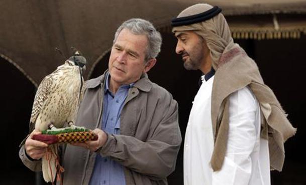 محمد بن زايد مع الرئيس الأمريكي السابق جورج بوش
