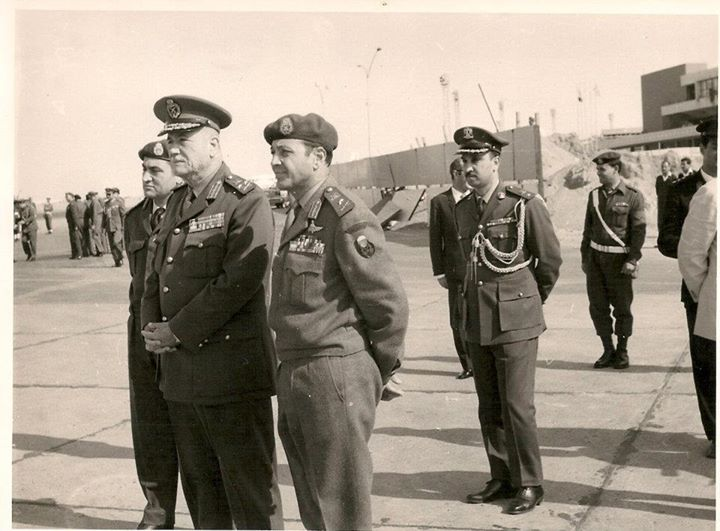 مع أحمد إسماعيل وحسني مبارك