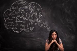 كيف يواجه عقلك الأفكار المعارضة لاعتقاداتك المسبقة؟