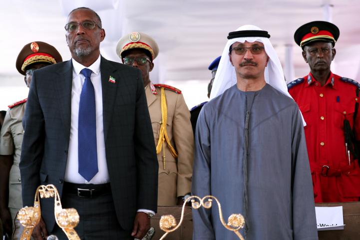 الرئيس التنفيذي لشركة موانئ دبي العالمية مع رئيس حكومة أرض الصومال