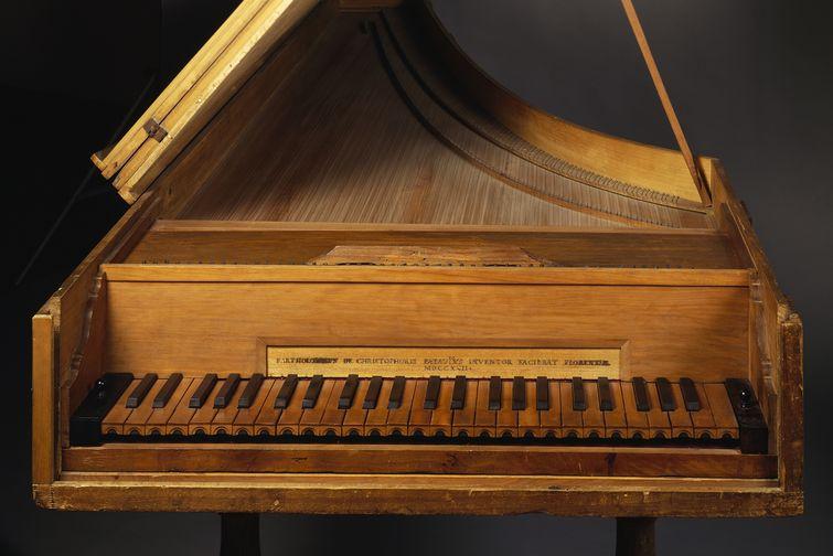 أحد أقدم آلات البيانو التي صنعها كريستوفوري