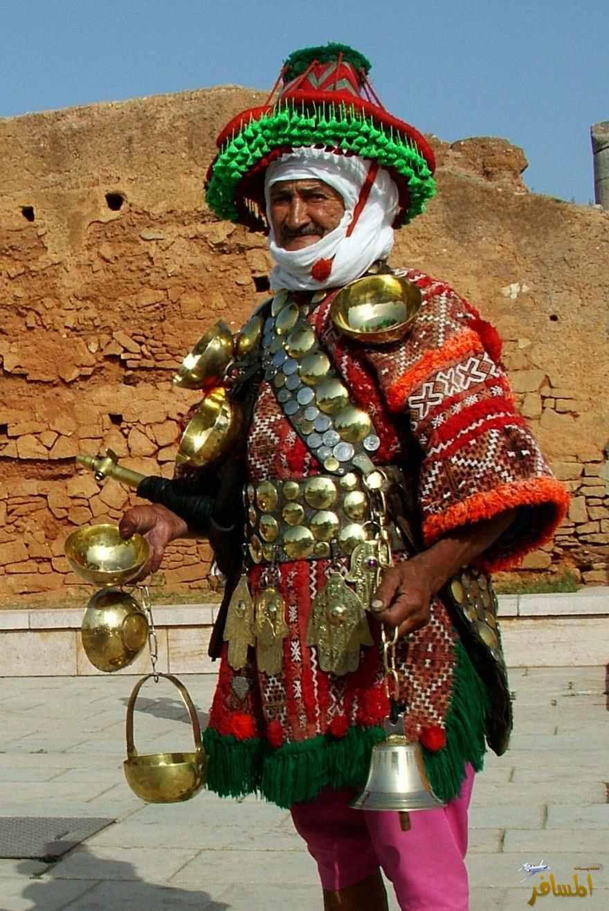 c53fbc5d44d79 ٣- القبعات التونسية. وهي تلك القبعات الحمراء التي تُعتبر رمزًا للباس التقليدي  في ...