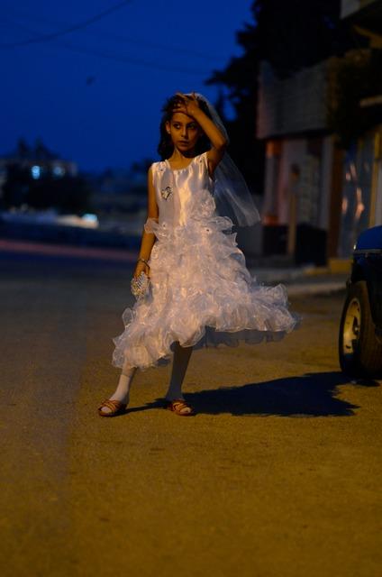 غرام.. بفستان الزفاف