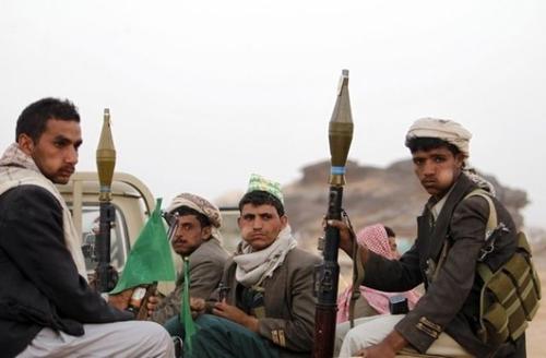 صورة أرشيفية لمقاتلين حوثيين.