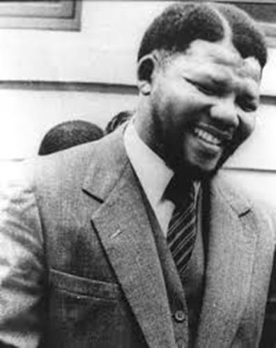 قاد مانديلا الكفاح المسلح