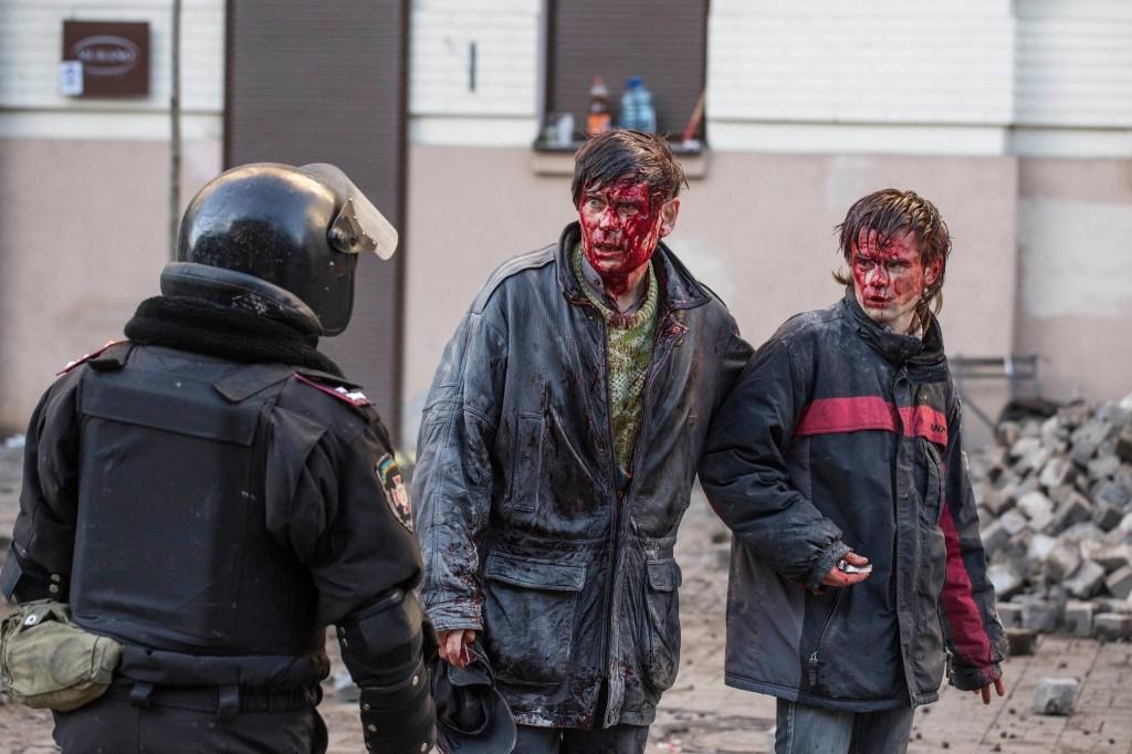 """إصابات بين المتظاهرين """"نيويورك تايمز"""""""