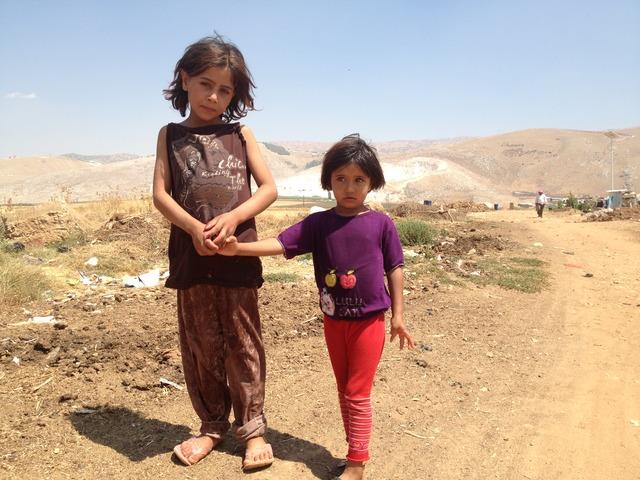 سميرة تحمي أختها من كوابيس الليل