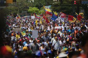 10 معلومات تود معرفتها عن احتجاجات فنزويلا الأخيرة