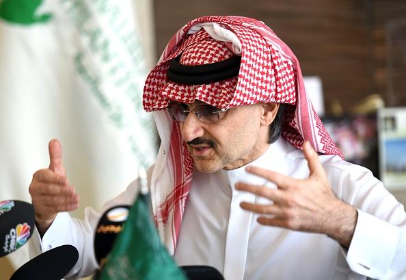 مترجم: إلى أي حد ينفق أثرياء وأمراء العرب أموالهم في فعل الخير؟