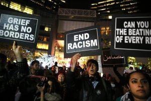 العنصرية الغربية ضد المسلمين أسست لفكرة «العالم الإسلامي»