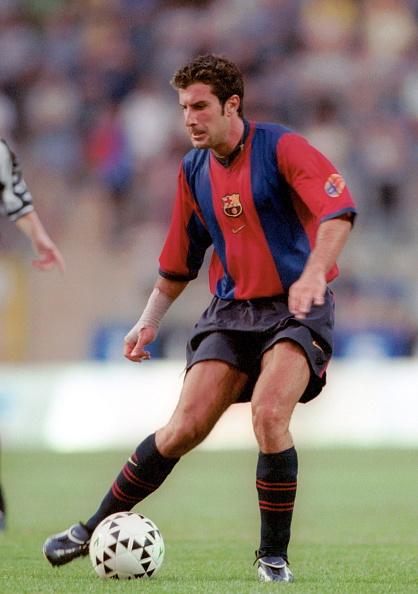 لويس فيغو بقميص فريق برشلونة