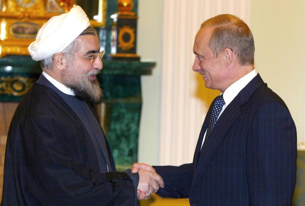 صورة أرشيفية للرئيسين بوتين وروحاني.