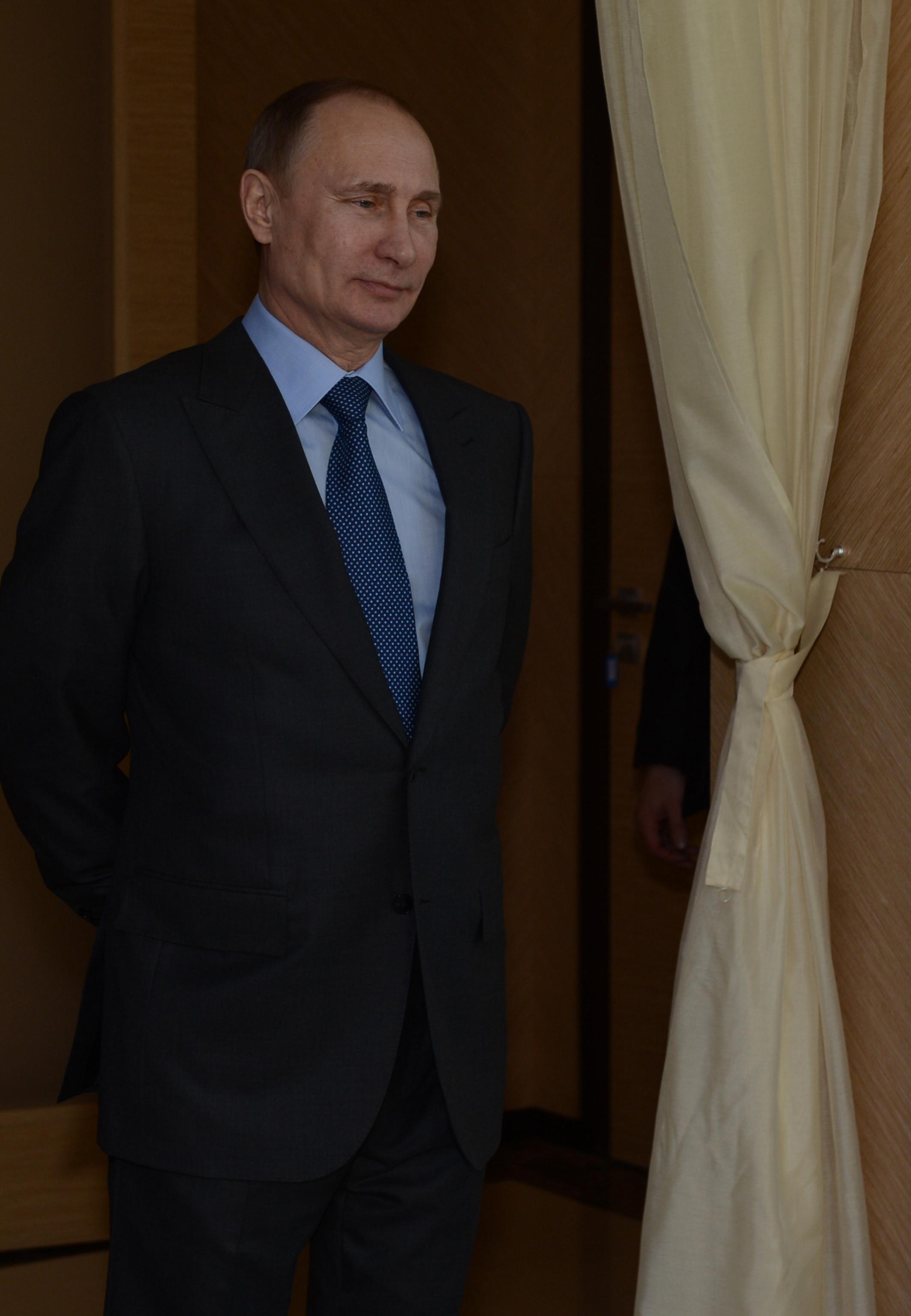 """""""بوتين"""" يشيد بجهود الشركات التركية في منشآت سوتشي الأولمبية"""