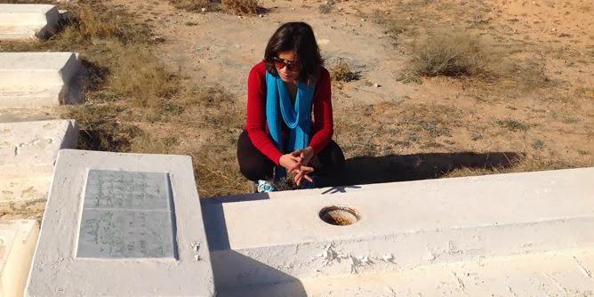 صورة لقبر محمد بوعزيزي الذي أشعل النار في نفسه، وأشعل معل معها ثورات الربيع العربي