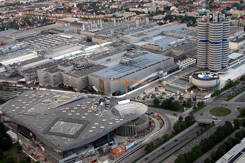 800px-BMW-HQ-PLANT-BMWWELT