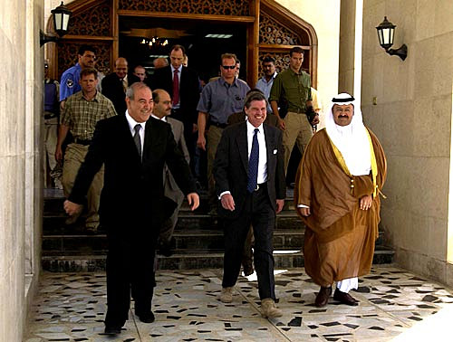 Bremer_leaves_after_Iraqi_Sovereignty_Transfer,_2004_June_28