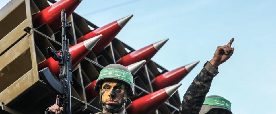 ألف صاروخٍ