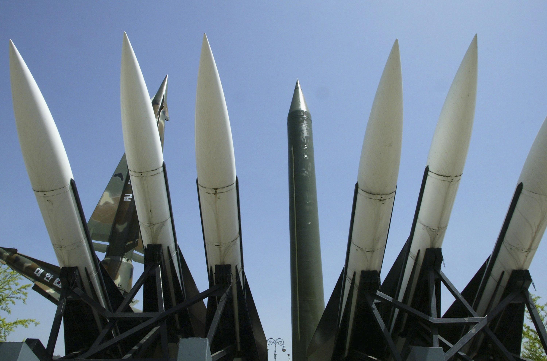 بعد ضرب سوريا.. تعرف إلى أبرز الضربات العسكرية الأمريكية ضد 6 دول عربية