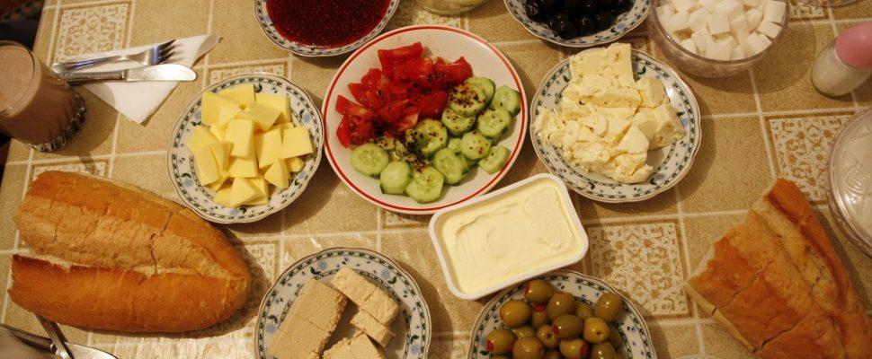 وجبة الفطور في بيت عائلة تركية