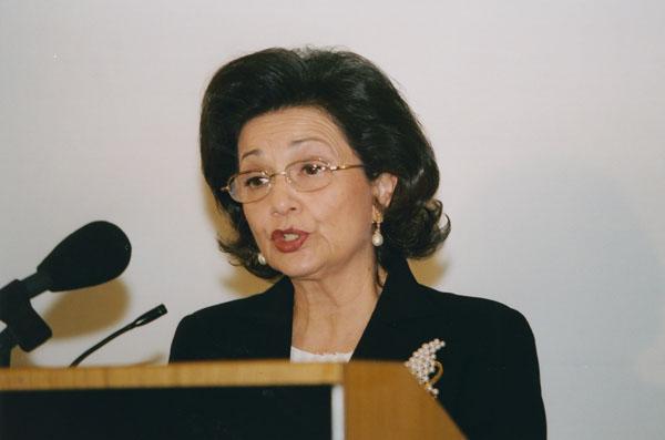 Suzanne_Mubarak_2003_1.jpg