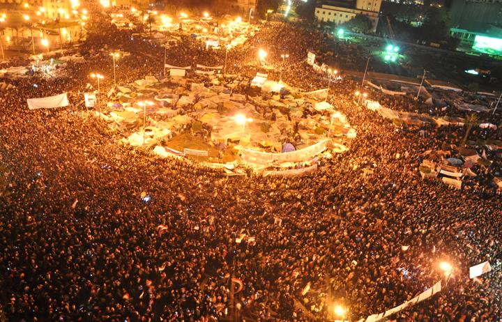 صورة أرشيفية لثورة الخامس والعشرين من يناير في ميدان التحرير
