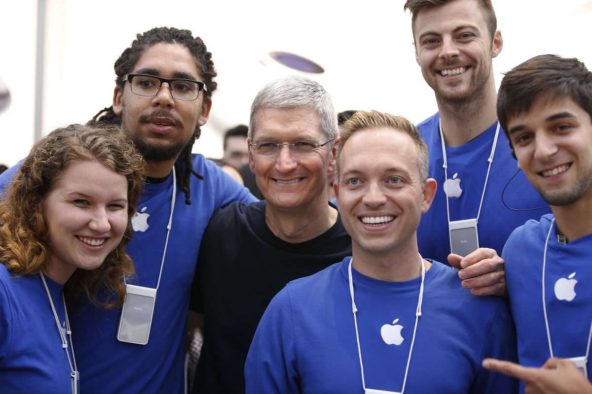 apple-sold-988-million-ipads-last-quarter-or-106-for-every-employee