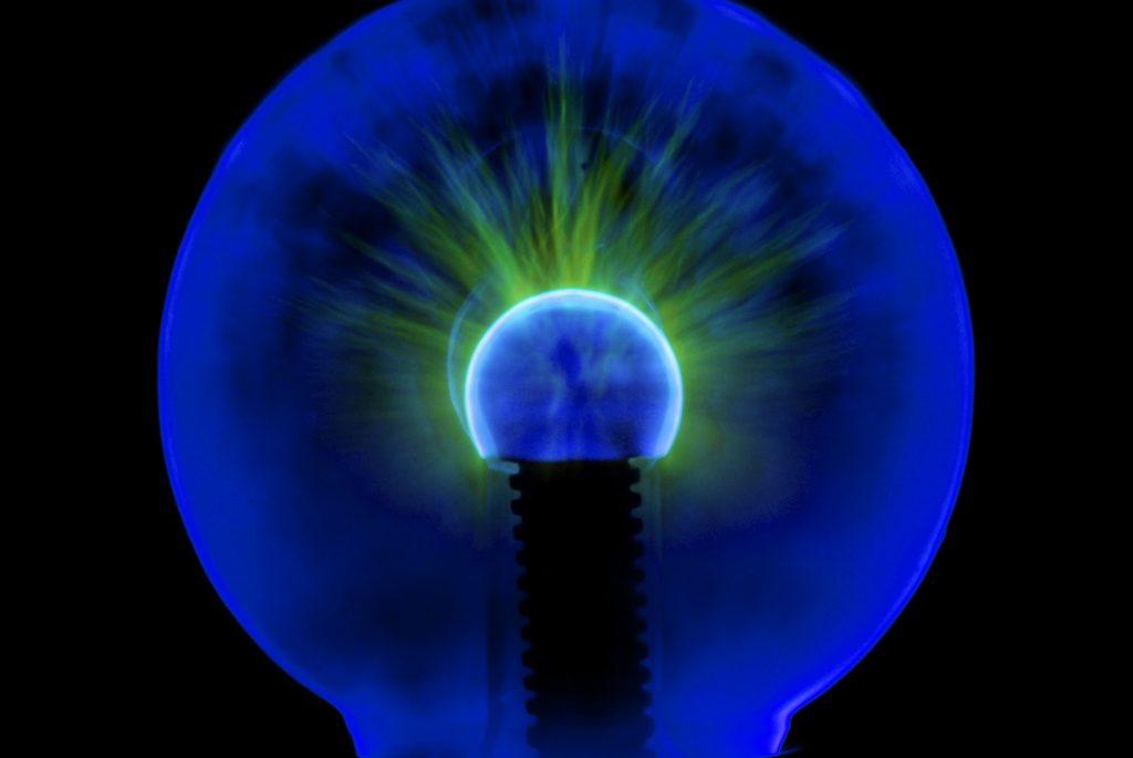 """منها المشي واللون الأزرق.. 6 طرق مُثبتة علميًّا لـ""""تحسين الإبداع"""""""