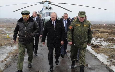 بوتين أثناء تدريبات عسكرية