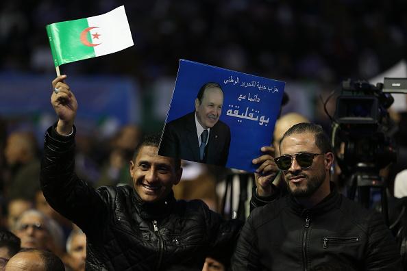 الأفلان أكبر داعمي بوتفليقة في فترة حكمه