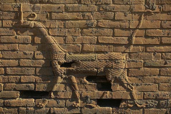 «الإندبندنت»: الأعجوبة المهددة.. هل سيتمكن علماء الآثار من إنقاذ آثار بابل؟