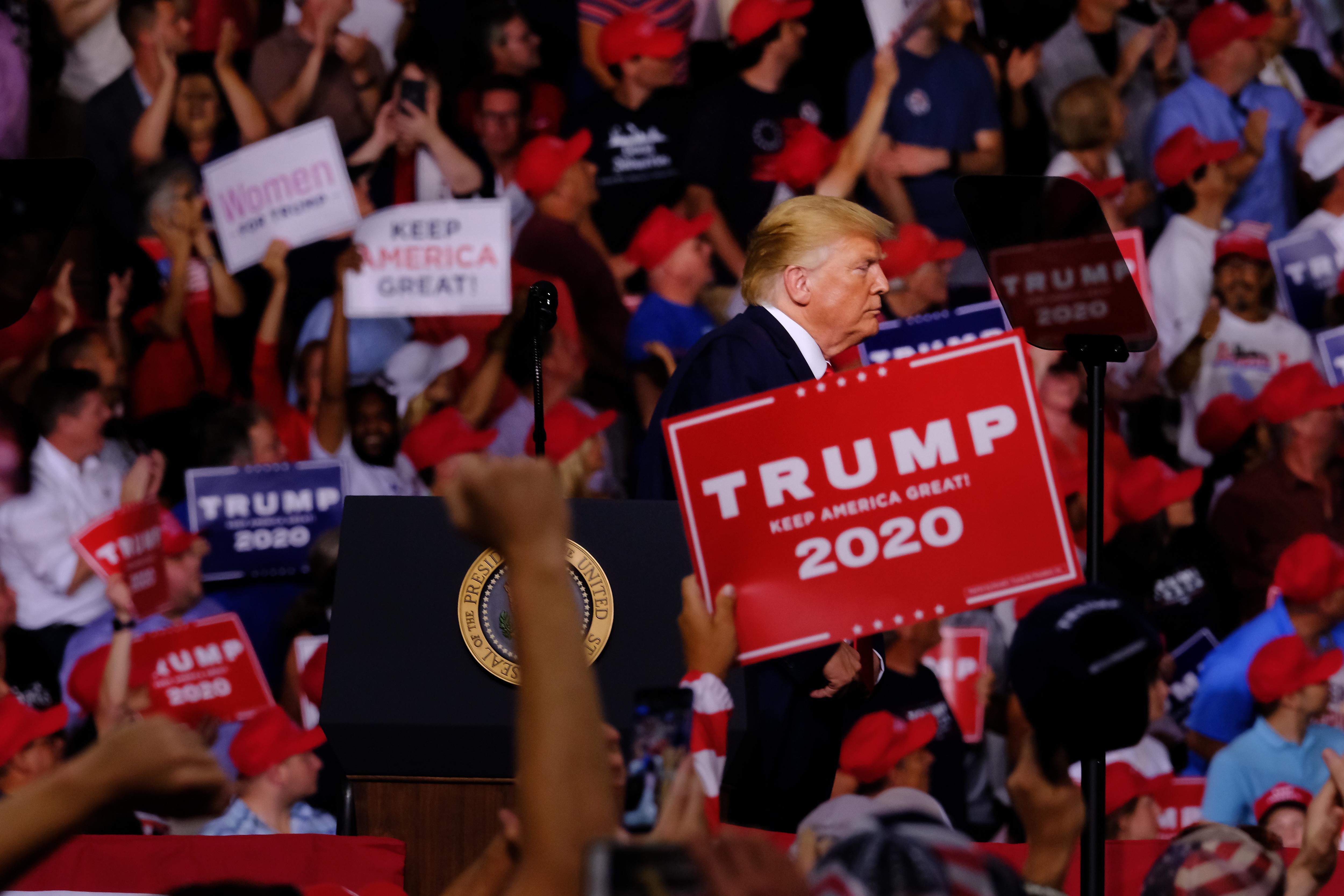 إحدى جولات ترامب في حملة الانتخابات الأمريكية 2020