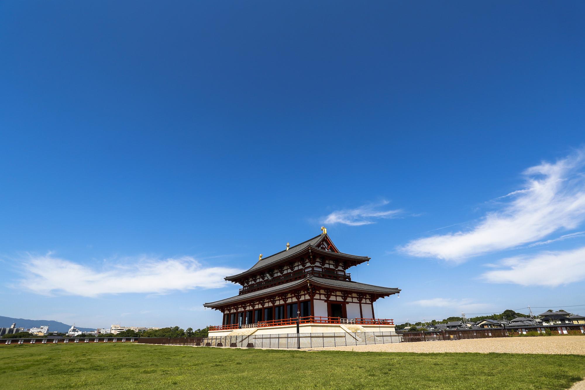 بقايا قصر إمبراطور اليابان القديم
