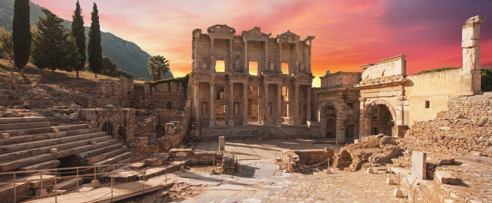 بقايا الحضارة اليونانية