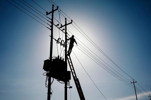 هل هناك حلول سريعة لإنقاذ العراق من أزمة الكهرباء؟