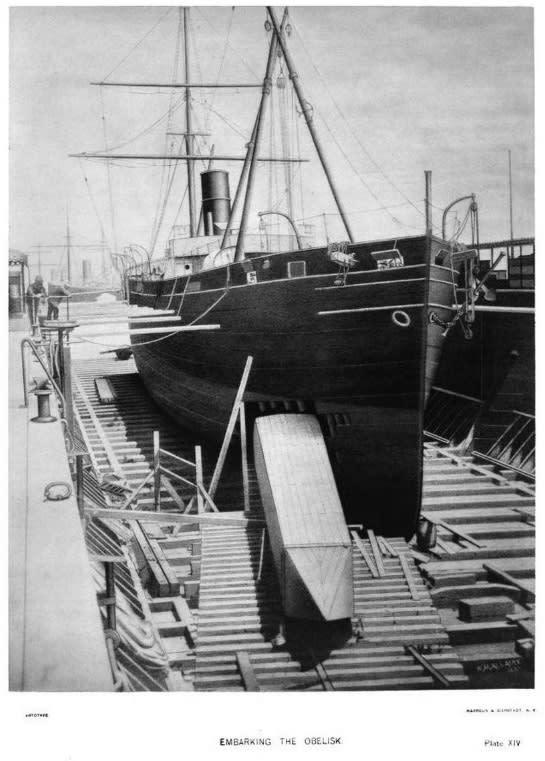 تحميل مسلة نيويورك إلى السفينة دنتون (دسوج لاحقًا)