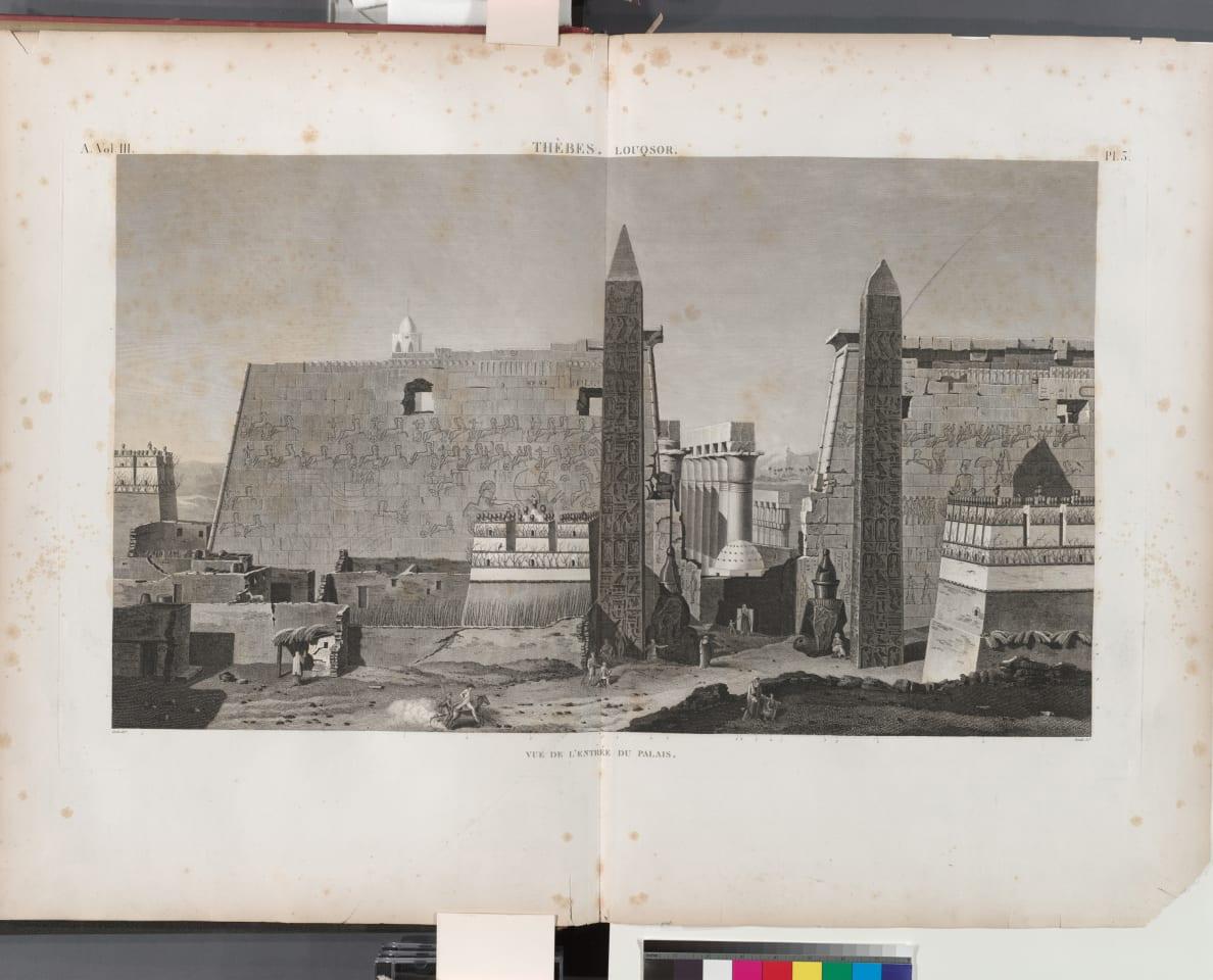 مسلة باريس قبل نقلها من معبد طيبة في مدينة الأقصر.