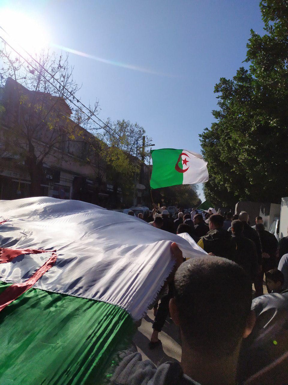 انتخايات الرئاسة في الجزائر والحراك الشعبي