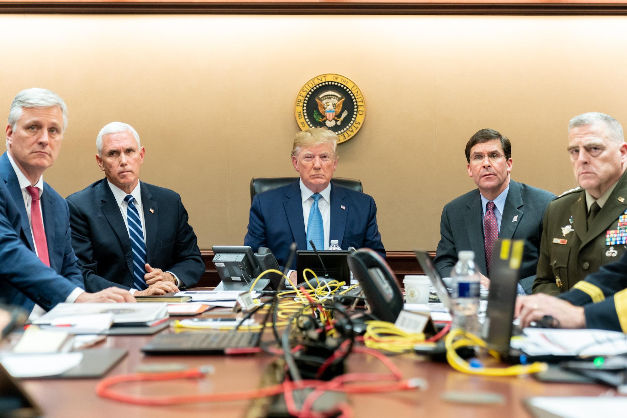 ترامب وبنس مع قادة الجيش الأمريكي