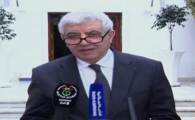 أحمد لعرابة؛ مهندس الدساتير الجزائرية